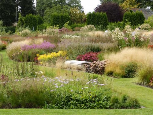 Piet-Oudolf-Garden-Summer-Ideas-190f6aeaf42c8227c20.jpg